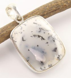 Dendritic agate gem pendant